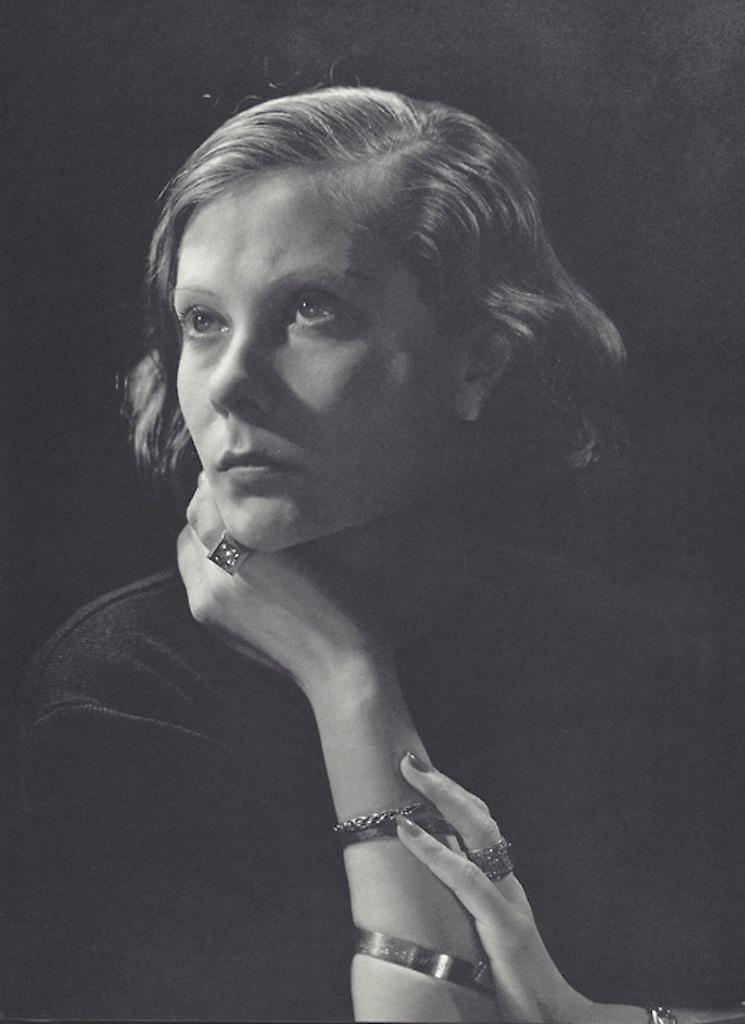 Natalie Paley by George Hoyningen-Huene, 1933